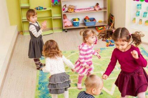 Die Vermittlung sozialer Kompetenzen ist eine Herausforderung für die Erwachsenen