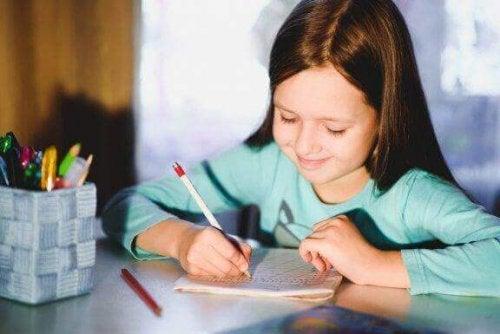 5 Übungen, um die Handschrift von Kindern zu verbessern