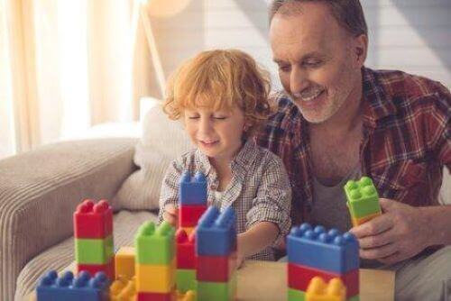 Symbolisches Denken bei KIndern kann durch Bausteine und Puzzle gefördert werden