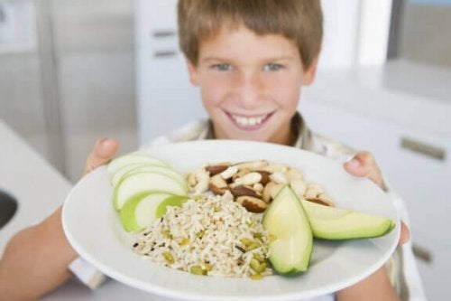 Wie die Ernährung die Schulleistung beeinflusst