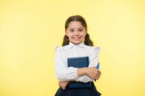 Für Mädchen können die Schuluniformen unter Umständen sexistisch sein
