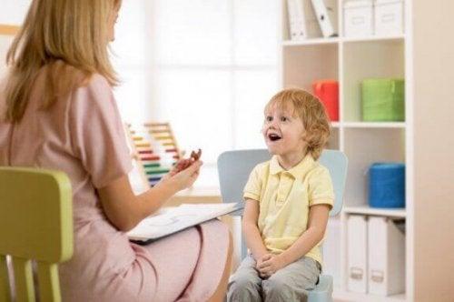 Aufgrund schneller kultureller Veränderungen, werden die traditionellen Theorien der Kinderpsychologie ständig überarbeitet und modernisiert