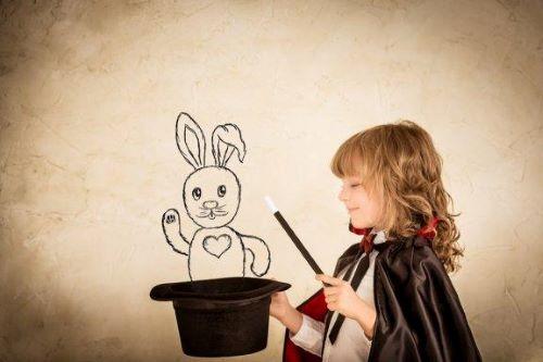 4 lustige Zaubertricks für Kinder