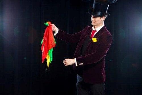Zaubertricks - Magier mit Tüchern