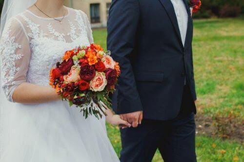 Hochzeitsbräuche: Warum trägt die Braut an ihrem Hochzeitstag Weiß?