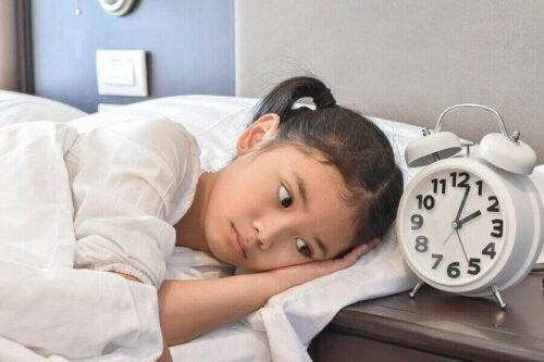 Hilf deinen Kindern genügend Schlaf zu bekommen