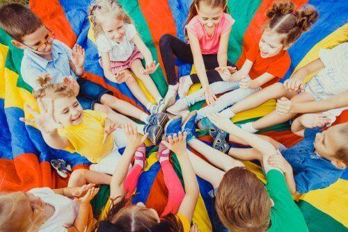 Plane die Sommerferien deiner Kinder, wenn du arbeiten musst