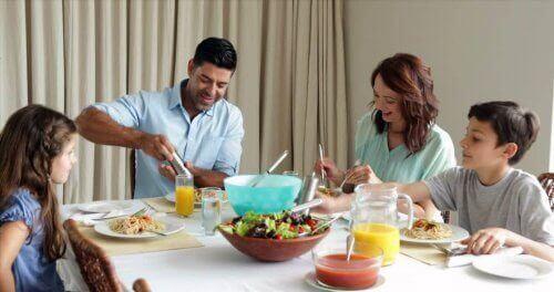 Familienleben - gemeinsames Essen