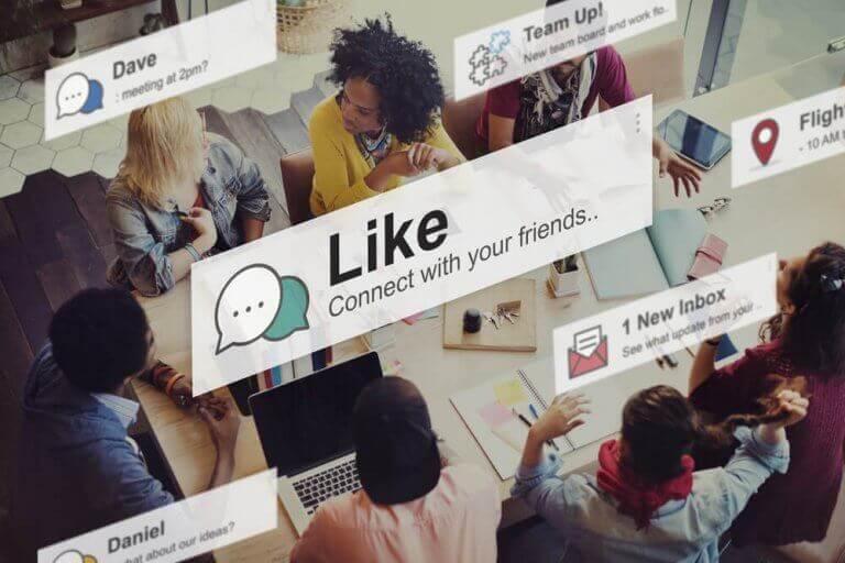 Instagram - Gruppe von Menschen und viele Benachrichtigungen