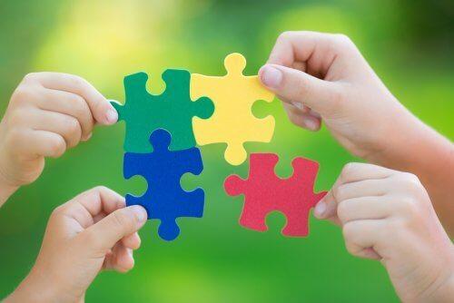Diese 5 psychologischen Vorzüge bieten Puzzles für Kinder