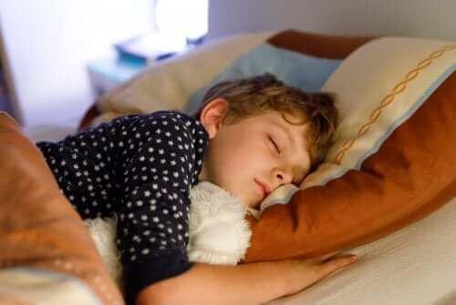 Warum eine feste Schlafroutine für dein Kind wichtig ist