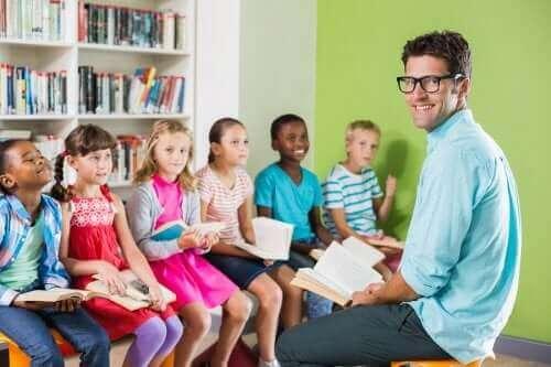 Mitspracherecht - Lehrer mit Schülern
