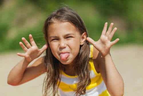 Bring deinem Kind bei, sich nicht über andere lustig zu machen