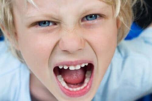 Selbstkontrolle bei Kindern ist die Fähigkeit, ihr Verhalten richtig zu steuern und ihre Emotionen, Gefühle und Gedanken zu verwalten.