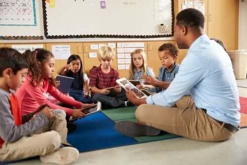 IKT im Kindergarten - Erzieher und Kinder