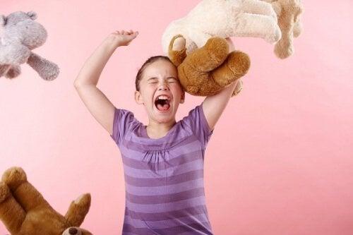 Nein akzeptieren - Mädchen mit Wutanfall