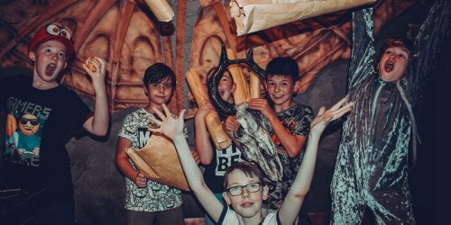 Escape Rooms - fröhliche Kinder