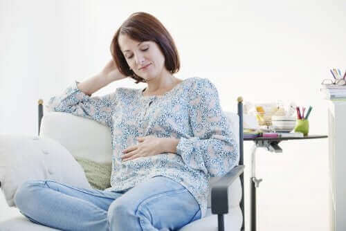 Die Kenntnis über die häufigsten Anzeichen und Symptome einer Schwangerschaft kann dazu beitragen, die Angst und Sorge vieler Frauen zu verringern.