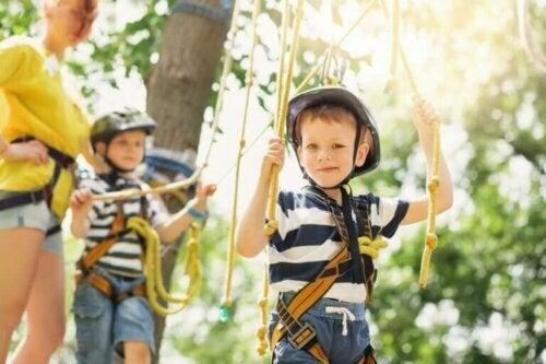 Wenn Kinder im Sommer nicht an lehrreichen Aktivitäten teilnehmen, können sie vergessen, was sie während des Schuljahres gelernt haben.