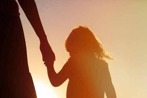Überkritische Eltern: Einfluss auf die Entwicklung des Kindes