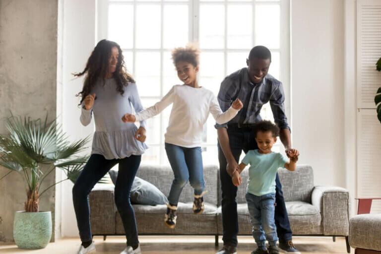 So sorgst du für Bewegung für deine Kinder!