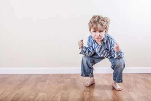 Nicht-epileptische paroxysmale Ereignisse bei Kindern gehen - Wutanfälle