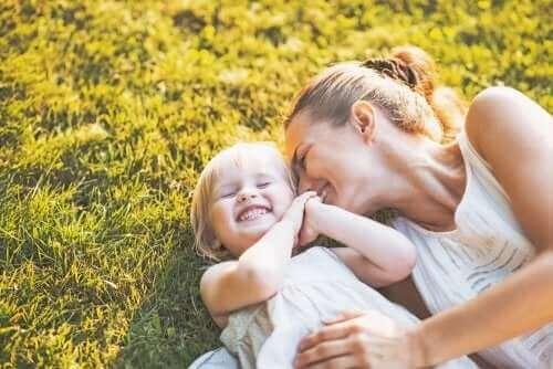 Familien mit nur einem Elternteil – Vater mit seinen Kindern