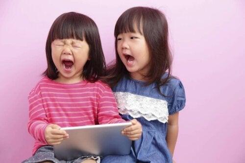 Fähigkeiten zur Problemlösung: 3 Wege, um sie deinen Kindern beizubringen